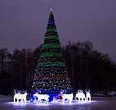 Christmas tree and electric deers, Moscow — Stock Photo
