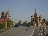 Moscow, Kremlin and St. Basil — Stockfoto
