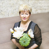 Portrait of woman with white lotus — Stock Photo