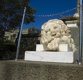 Escultura del león, palacio vorontcosvkiy, crimea — Foto de Stock
