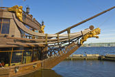 St. Petersburg, sculptures on sailing ship — Stock Photo