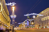 St. Petersburg, Nevskiy prospectus street at night — Stock Photo