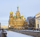 St. Petersburg, Russia, Resurrection cathedral of Saviour on blo — Stock Photo