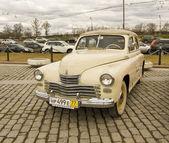 "Russische retro auto ""pobeda"" (overwinning) — Stockfoto"