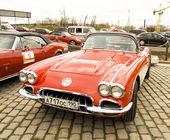 Chevrolet corvette on rally of classical cars, Moscow, Chevrolet — Stock Photo