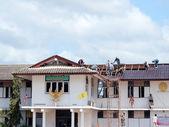 Change Roof Tiles — Stock Photo