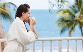 Mujer beber café de la mañana — Foto de Stock