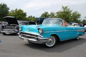 Unidentified Man Driving 1957 Chevrolet Bel Air Convertible — Stock Photo