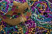 Mardi Gras Mask and Beads — Stock Photo