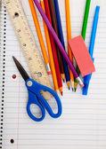 罫線付きのノートの各種学用品します。 — ストック写真