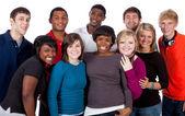 Flera raser högskolestudenter på vit — Stockfoto