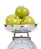 Fruto de una escala con un fondo blanco — Foto de Stock