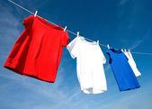 T-shirt rossa, bianca e blu — Foto Stock