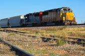 Dvojité motor lokomotiva - vlak — Stock fotografie