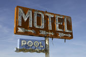 Vintage motel sign on route 66 — Stock Photo