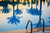 Swimming pool in touristic resort during summer time — Foto Stock