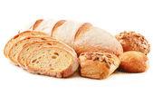 作文与昼伏夜出的面包上白色隔离 — 图库照片