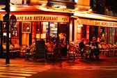 Famed for its nightlife Paris has about 40 000 restaurants — Stockfoto