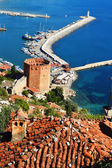 View of Alanya harbor form Alanya peninsula. Turkish Riviera — Stock Photo