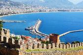 View of Alanya harbor form Alanya peninsula. Turkish Riviera — Stock Photo