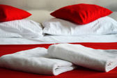Double bed in hotel room. Accommodation — Stock Photo