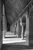 Ripoll monastery columns inside, black and white — Stock Photo