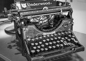 Antique manual Underwood typewriter — Stock Photo