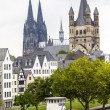 Cathedral of Cologne and church of Gross St. Martin in Cologne — Stock Photo
