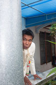 Asian thai bridegroom is waiting to see bride in wedding ceremon — Stock fotografie