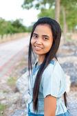 Zdravá asijské žena v parku — ストック写真