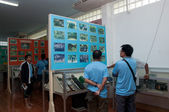 YALA, THAILAND-SEPTEMBER 22: Unidentified Visitors see old pictu — Stock Photo