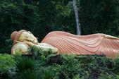 在甲米,泰国尊睡佛 — 图库照片