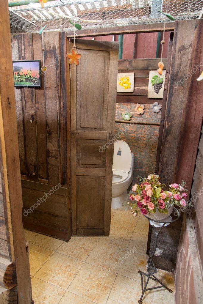 Décoration dintérieur de toilettes style vintage — photo
