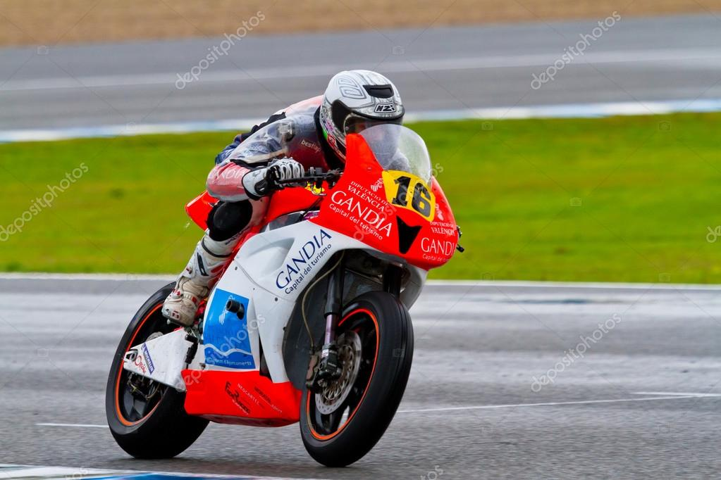 JEREZ DE LA FRONTERA, SPAIN - NOV 20: Moto2 motorcyclist Oscar Climent races in the CEV Championship race on November 20, 2011 in Jerez de la Frontera, Spain. — Stock Photo #17425415