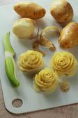 Róże wykonane z ziemniaków — Zdjęcie stockowe