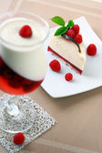 Cake with a raspberry and panna cotta — Stock Photo