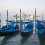 Motion blurred venice gondolas — Stock Photo #39541211