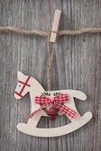 Cavallo a dondolo in legno — Foto Stock