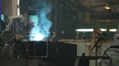 Workers Welding In A Factory — Stock Video