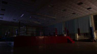 Fighter på gymmet — Stockvideo