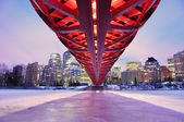 Calgary pedestrian bridge — Stock Photo