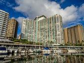 Hotel and Condo community in Waikiki — Stock Photo