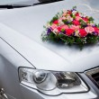 Wedding car decoration with flowers — Stock Photo