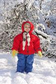 Dziewczynka w śniegu — Zdjęcie stockowe