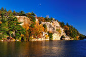 Rock formations at Lake Minnewaska. — Stock Photo