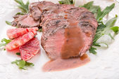 Crunchy duck's breast with orange and rucola — Stockfoto