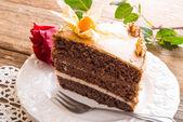 与玫瑰蛋糕 — 图库照片