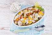 Mackerel fillet with salad — Stock Photo