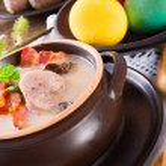 Polish Easter soup with egg and sausage — Stock Photo