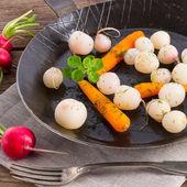 Rabanetes assados saborosos — Foto Stock